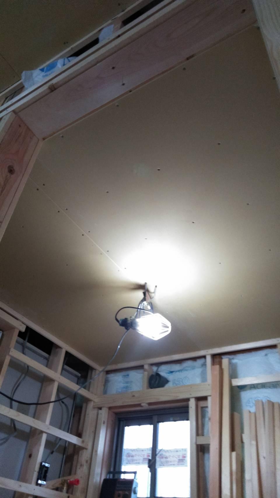 天井PB貼り