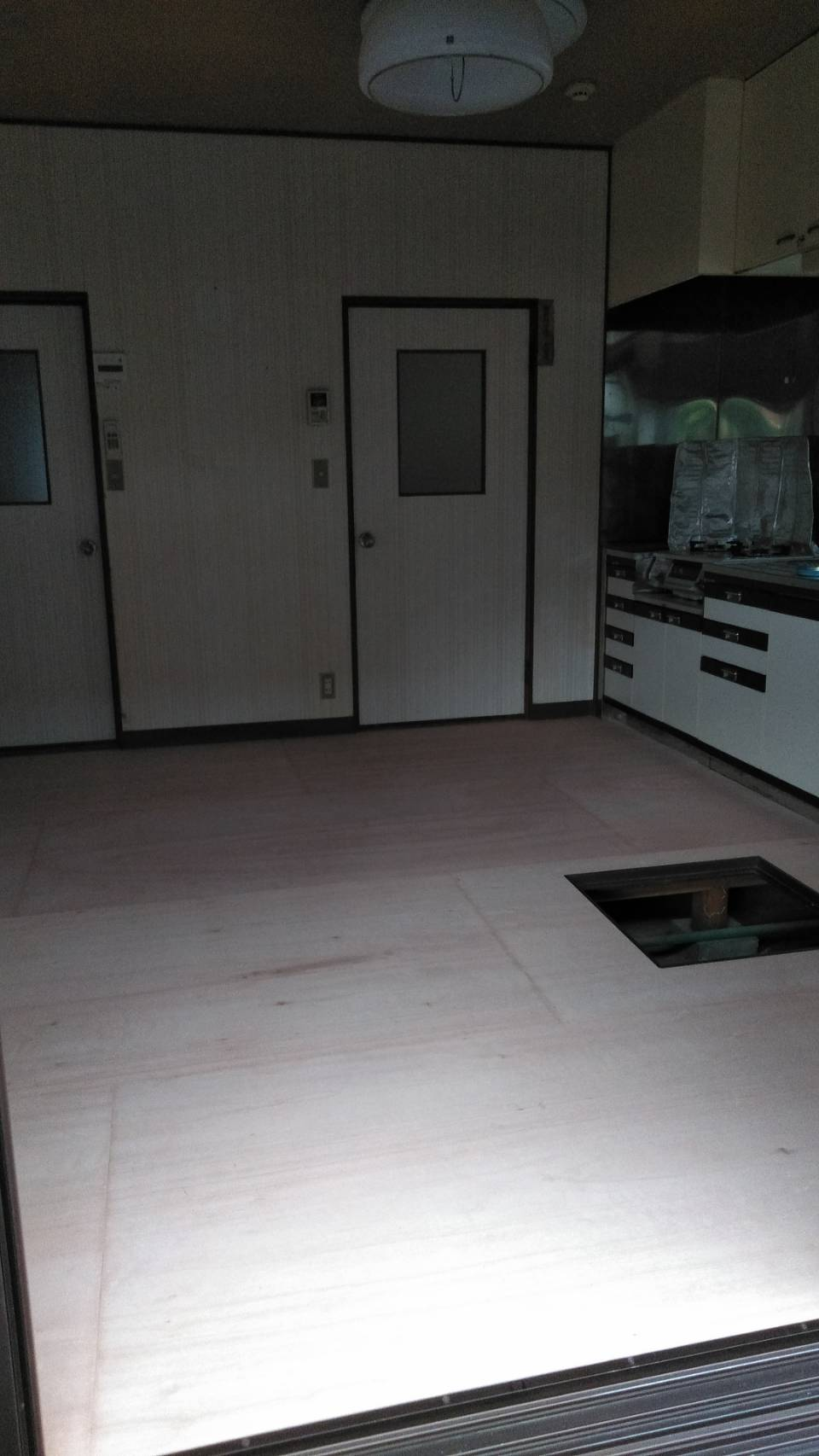 床貼り替え