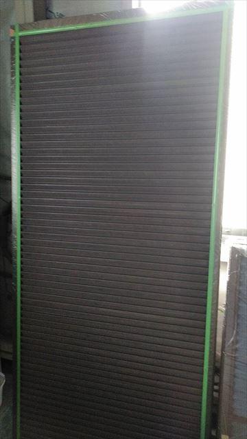 安八町の雨戸塗装