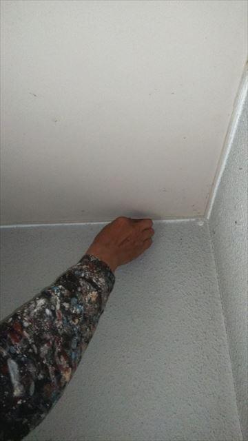 海津市平田町内の2階建て住宅の内部塗装工事
