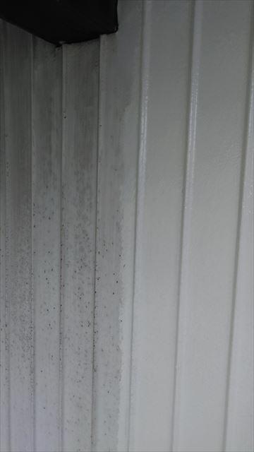 安八町外壁下塗り作業