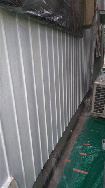 垂井町外壁下塗り作業
