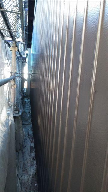 岐阜市1階部分の中塗り作業
